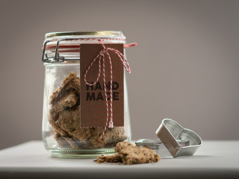 resilience strategies for imgs in canada: using cookies for creative visualization to build resilience